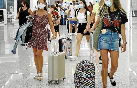 Schon bald werden sich Reisende von Mallorca nach Deutschland auf neue Regelungen einstellen müssen.