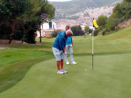Es blieb trocken, zwischendurch kam sogar die Sonne hervor: Beim MM-Golfcup auf dem Golfplatz von Golf de Andratx in Camp de Mar war die Stimmung gut.