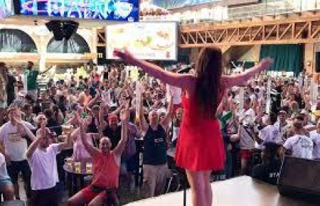 Diese Zeiten sind vorberi: Ina Colada vor Publikum im Megapark.