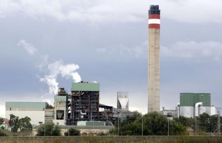 Kein schöner Anblick: das Kraftwerk Es Murterar.
