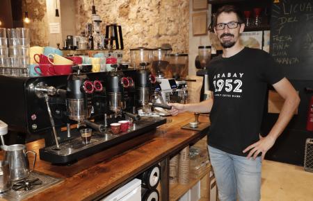 Toni Vallcaneras ist ein bekennender Fan des guten Kaffees.