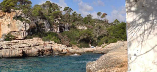 Blick auf eines der Boote bei Cala Figuera.