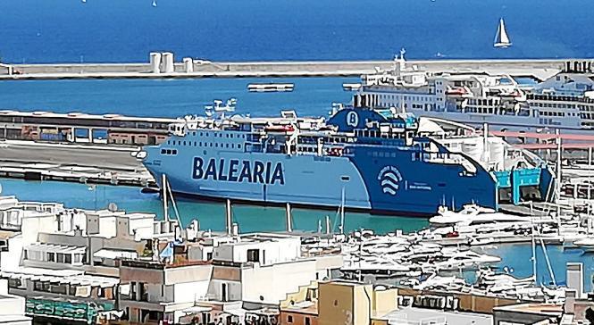 Wer nicht fliegen will, der kann per Fähre nach Mallorca kommen.