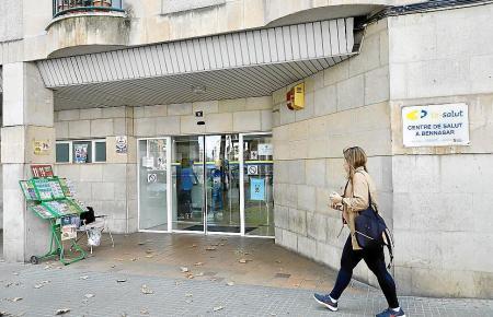 Eingang zu einem Gesundheitszentrum in Palma de Mallorca.