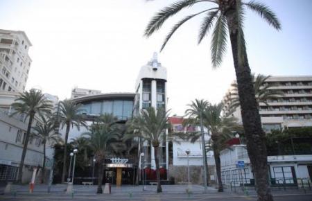 Ausgehtempel Nummer eins auf Mallorca steht zum Verkauf. Das beliebte Tito's an Palmas Paseo Marítimo soll für 16,5 Millionen Euro verkauft werden.