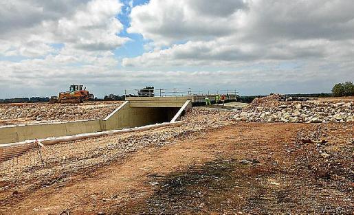 Die noch im Bau befindliche Autobahn zwischen Llucmajor und Campos soll bald fertig sein.