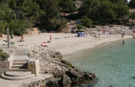 Die Cala Comtessa bei Palma ist im Augenblick anders als im August angenehm leer.
