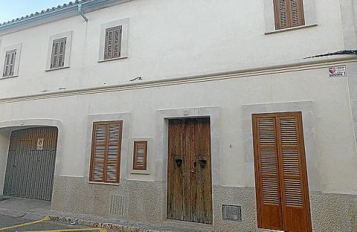"""Die Türen sind schon fest verschlossen. Die Besitzer des """"Colmado Ca na Barraca"""" in Campos gehen in den Ruhestand."""