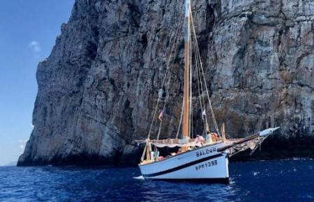 """""""La Balear"""" ist eine Traditions-Llaüt. Der 14 Meter lange Segler wird gerne als Anschauungsobjekt genommen."""