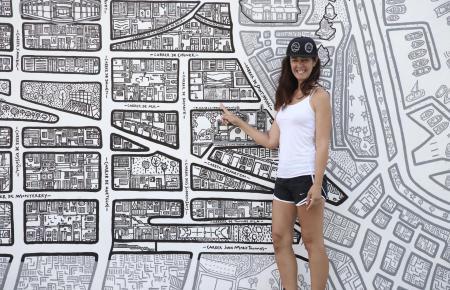 Andrea Moretto vor einem ihrer Kunstwerke.
