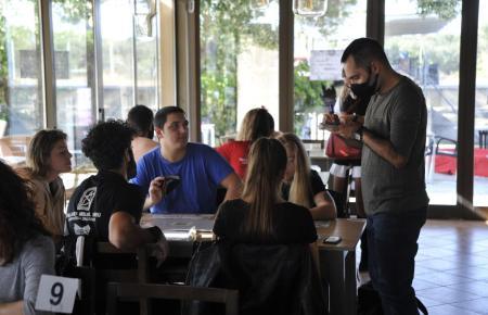 Restaurant- und Gastronomieverbände fürchten weitere Umsatzeinbußen.
