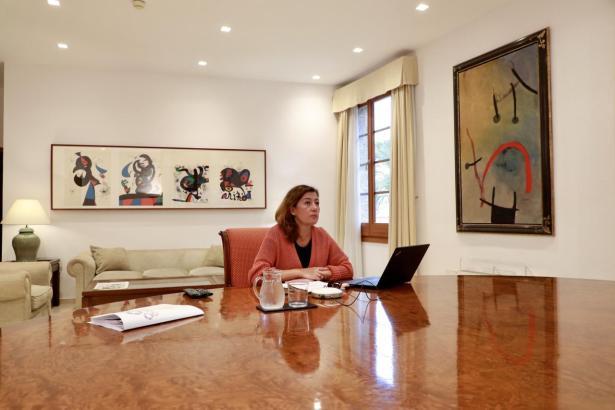 Francina Armengol während der Konferenz der Ministerpräsidenten.