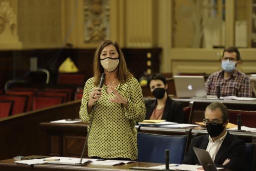 Francina Armengol entschuldigte sich erneut vor dem Parlament für den Vorfall in der Hat Bat in Palma.