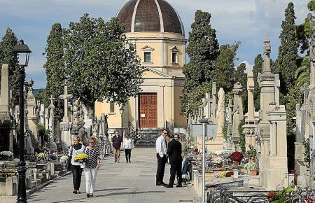 Dieses Jahr wird der Friedhofsbesuch an Allerheiligen vielerorts auf eine Stunde begrenzt.