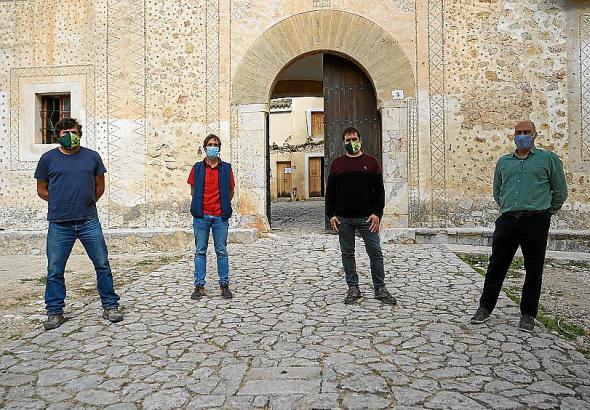 Sie beschäftigen sich mit der Zukunft der Finca Galatzó: Biel Salom, Juan Salguero, Rafel Sedano und José Francisco Giménez (v.l.n.r.).