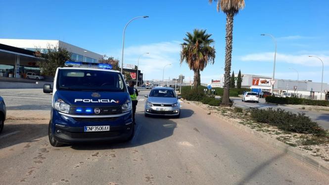 Polizeikontrollen auf den Zufahrtstraßen nach Manacor.