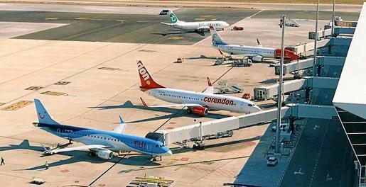 Die Kosten für Flugtickets nicht angetretener Flüge wegen Covid-19 sind oft unbezahlt und die Reisebüros bleiben auf den Kosten sitzen.