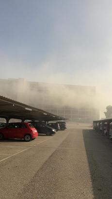 Starke Rauchentwicklung am Freitagnachmittag im Parkhaus des Flughafens von Palma sorgte für Aufsehen.
