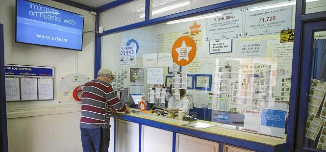 In der Verkaufsstelle an Palmas Plaça de la Reina vermisst man unter anderem die Kruzfahrttouristen.