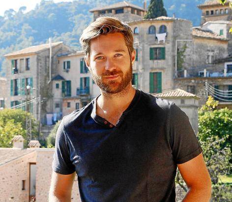 Der Schauspieler und Comedian Tommy Schlesser (31) genießt die Dreharbeiten im idyllischen Valldemossa.