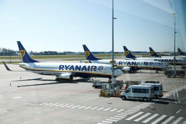 Blick auf Ryanair-Jets.