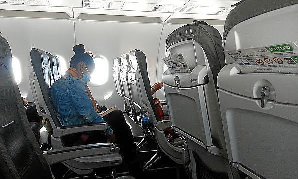 Nicht sonderlich gut besetztes Flugzeug in Coronazeiten.