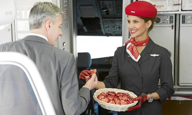 Der Gratissnack gehört schon lange der Vergangenheit an. Jetzt soll der Flugzeugsnack per smartphone bestellbar sein.