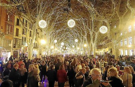 Dieses Jahr wird es keinen offiziellen Startschuss der Weihnachtsbeleuchtung geben, um Menschenmengen zu vermeiden. Am Donnerstag gehen die Lichter zu einer unbekannten Uhrzeit an.