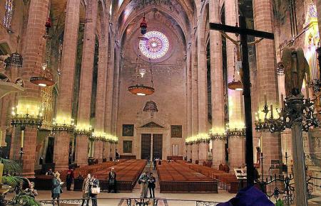 Blick in die Kathedrale von Palma.