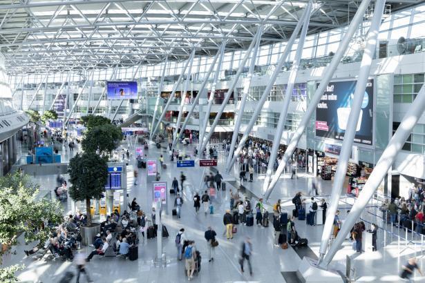 Blick in den Flughafen Düsseldorf.