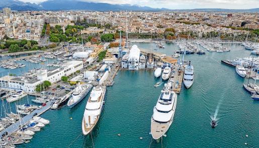 Die Luftaufnahme zeigt den Wertbetrieb Astilleros de Mallorcas im Hafen von Palma.