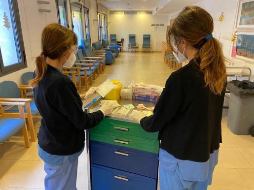 Bewohner und Mitarbeiter der Seniorenresidenz Son Oms waren die ersten, die gegen Covid-19 geimpft wurden.