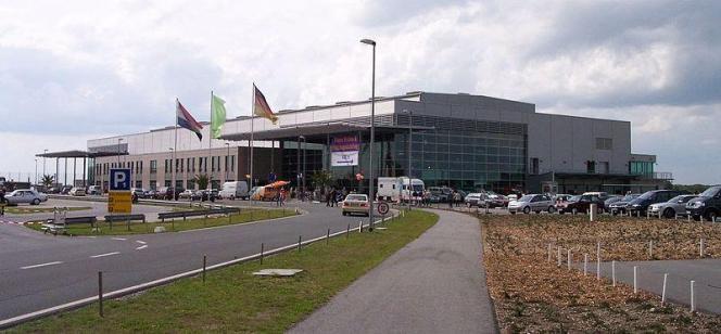 Blick auf den Flughafen Weeze.