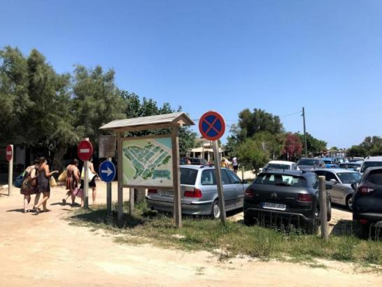 Der umstrittene Parkplatz Es Capellans an der Playa de Muro.