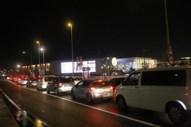 Nach Bekanntgabe der neuen Restriktionen stürmten die Mallorquiner die Shoppingmalls.