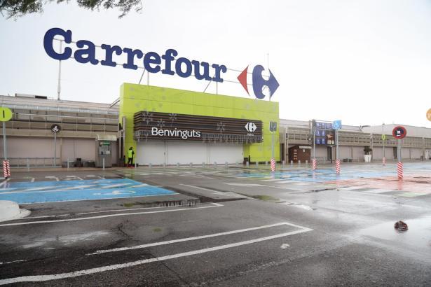Die großen Carrefour-Supermärkte bleiben bis 21.30 Uhr geöffnet.