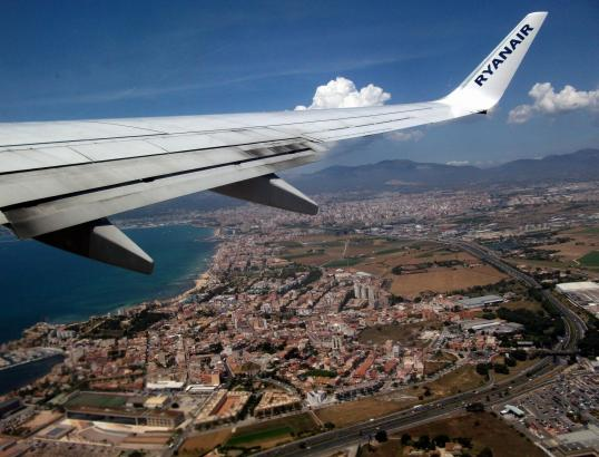 Startender Ryanair-Jet über Palma de Mallorca.