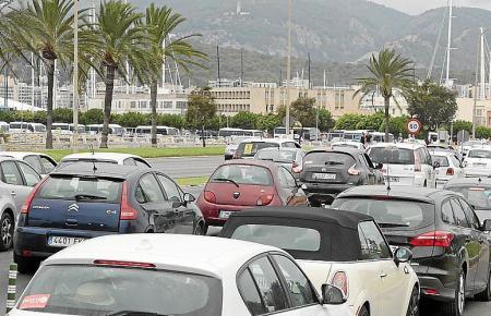 Am Paseo Marítimo in Palma staut es sich vor allem im Berufsverkehr.