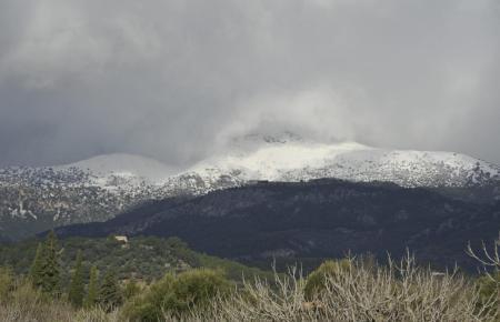 Im Tramuna-Gebirge befinden sich die beiden Stauseen Gorg Blau und Cúber.
