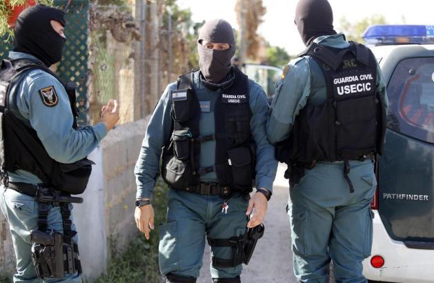 Kräfte der Guardia Civil im Einsatz.