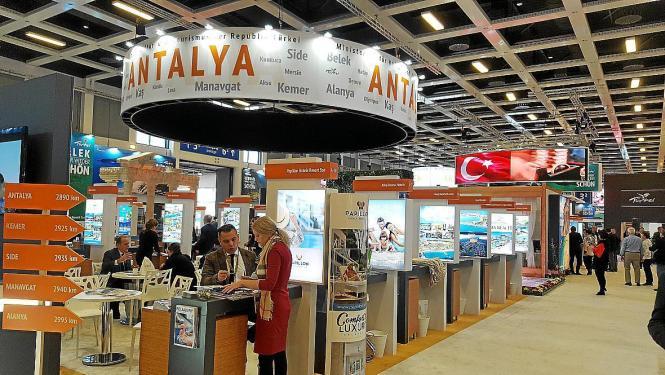 Türkischer Stand auf einer Tourismusmesse.