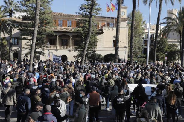So ging es bei der letzten Demonstration vor dem Regierungssitz Consolat de Mar zu.