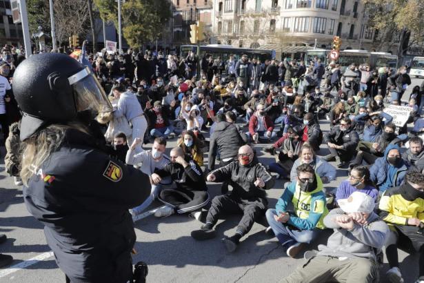 Die Demonstranten blockierten zeitweise Palmas Innenstadtring Avenidas.