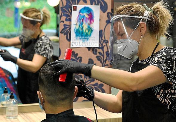 Viele Friseure und Schönheitssalons mussten bereits schließen.