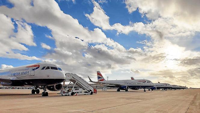 Auf Mallorca werden immer mehr britische Flugzeuge geparkt.