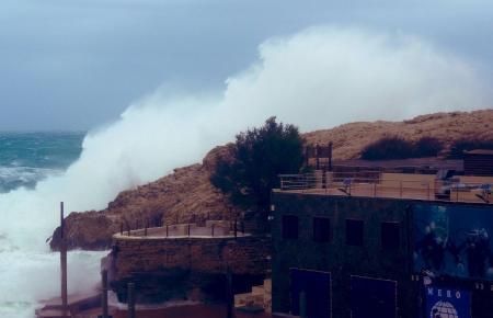 Vor allem an der Küste kann es stürmisch werden.