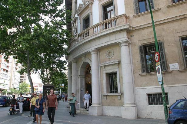 Das Justizgebäude an der Via Alemania in Palma de Mallorca.