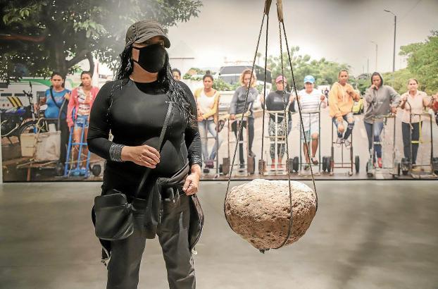 EXPOSICION DE TERESA MARGOLLES EN EL MUSEU ES BALUARD.