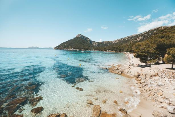 An den vergangenen Tagen konnte man sich bei Temperaturen um 20 Grad auf Mallorca an den Strand legen.
