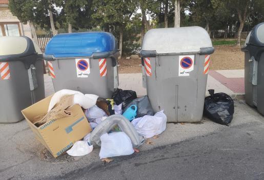 Mülltonnen auf Mallorca.